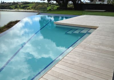 Architectural cliff edge pool
